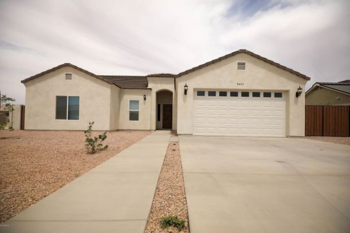 9221 W HARTIGAN Lane, Arizona City, AZ 85123