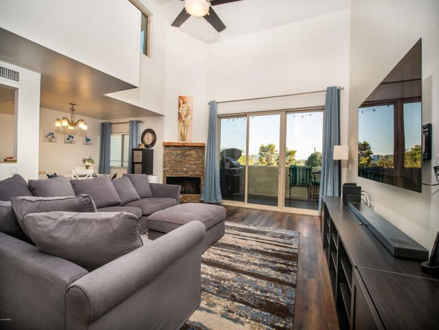 4330 N 5TH Avenue, 214, Phoenix, AZ 85013