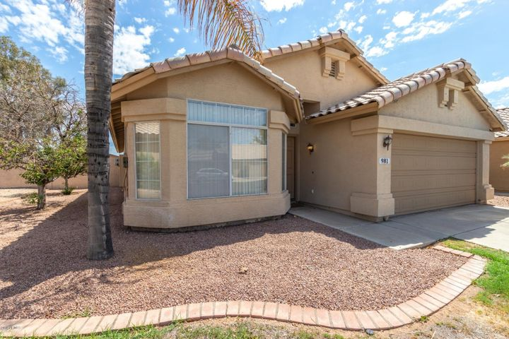 981 N LONGMORE Street, Chandler, AZ 85224