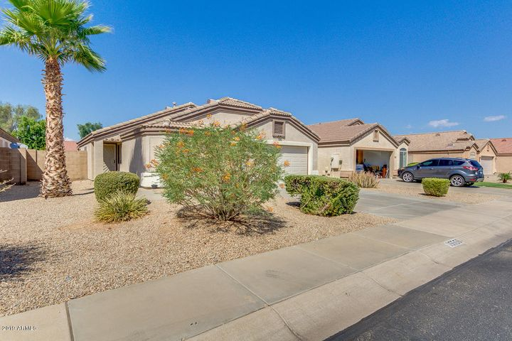 15556 W PORT ROYALE Lane, Surprise, AZ 85379