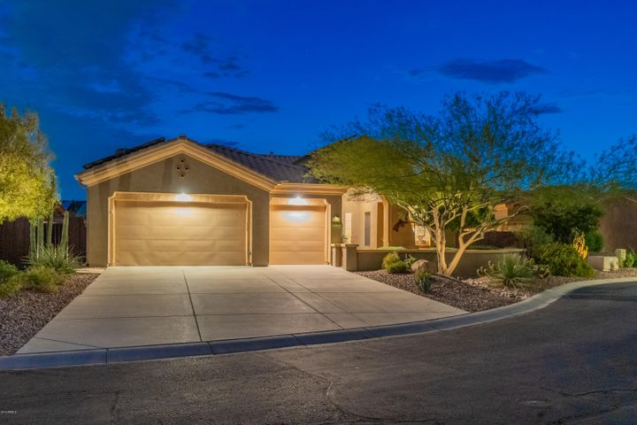 41824 N IRON HORSE Court, Anthem, AZ 85086