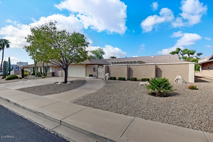 18614 N CONQUISTADOR Drive, Sun City West, AZ 85375
