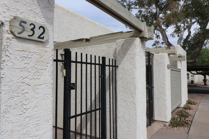 532 S ALLRED Drive, Tempe, AZ 85281