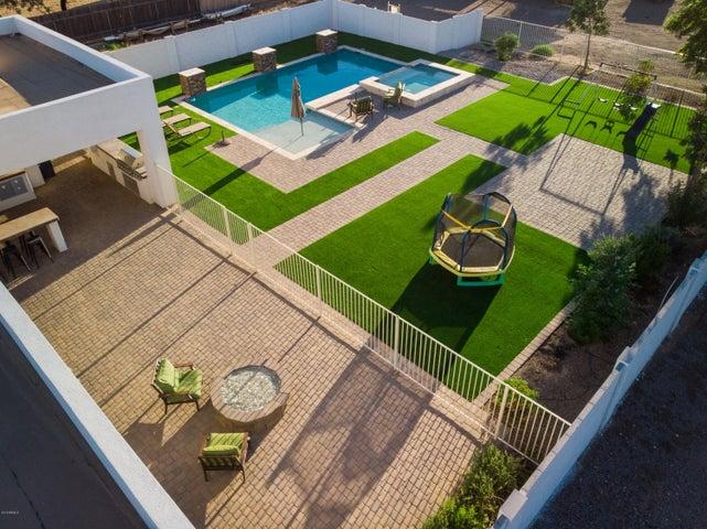 7054 N COTTON Lane, Waddell, AZ 85355