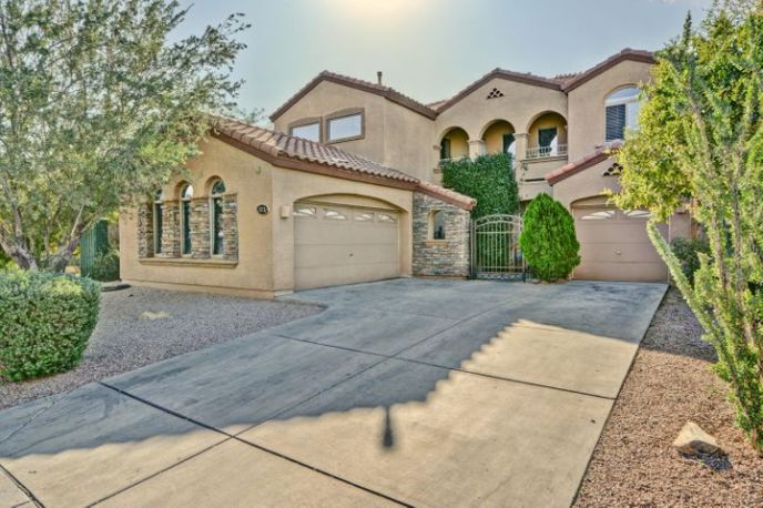 Welcome to 13737 W Lisbon Lane, Surprise Arizona