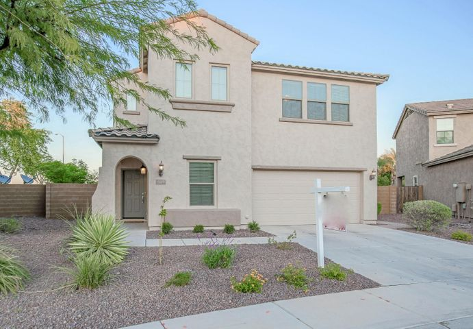 2220 W BEVERLY Lane, Phoenix, AZ 85023