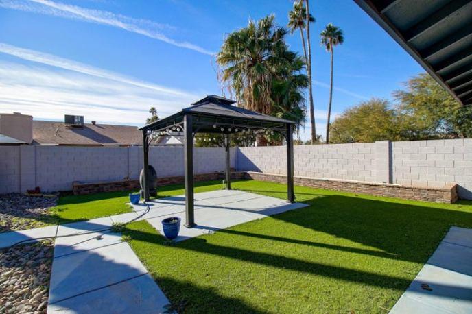 227 E ANGELA Drive, Phoenix, AZ 85022