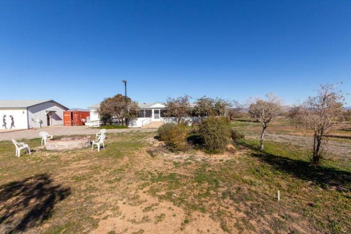 48505 N W Road, Aguila, AZ 85320