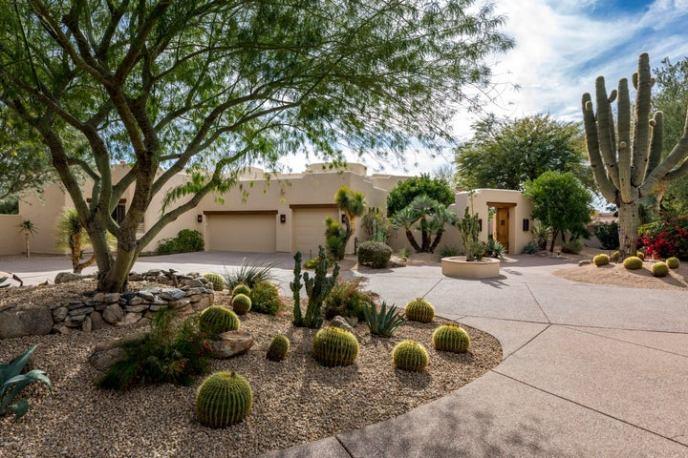 10947 E LAUREL Lane, Scottsdale, AZ 85259