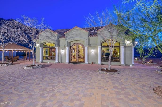 3801 W CARVER Road, Laveen, AZ 85339