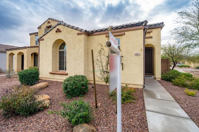 9024 W NICOLET Avenue, Glendale, AZ 85305