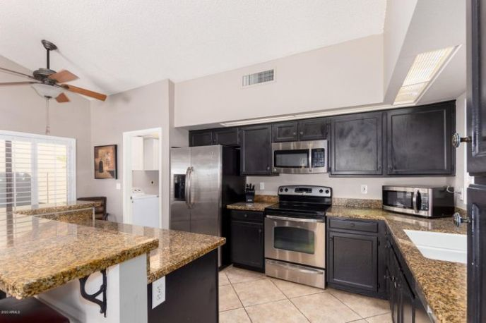 5631 E HARTFORD Avenue, Scottsdale, AZ 85254
