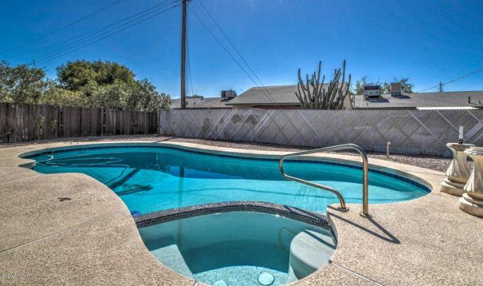 8239 W amelia Avenue, Phoenix, AZ 85033