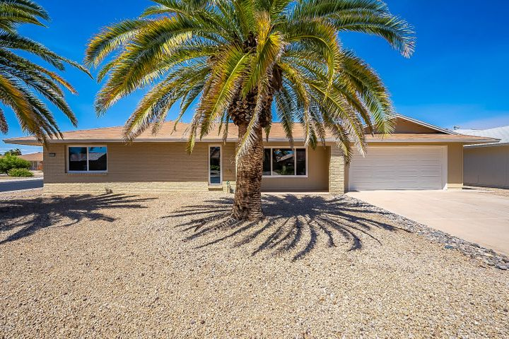 13030 W MEEKER Boulevard, Sun City West, AZ 85375