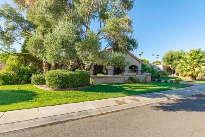 8326 E Vía De La Luna Street, Scottsdale, AZ 85258