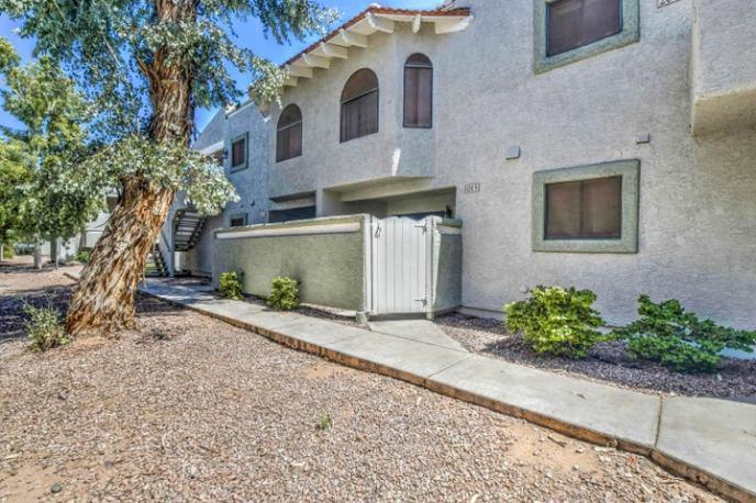 850 S RIVER Drive, 1015, Tempe, AZ 85281