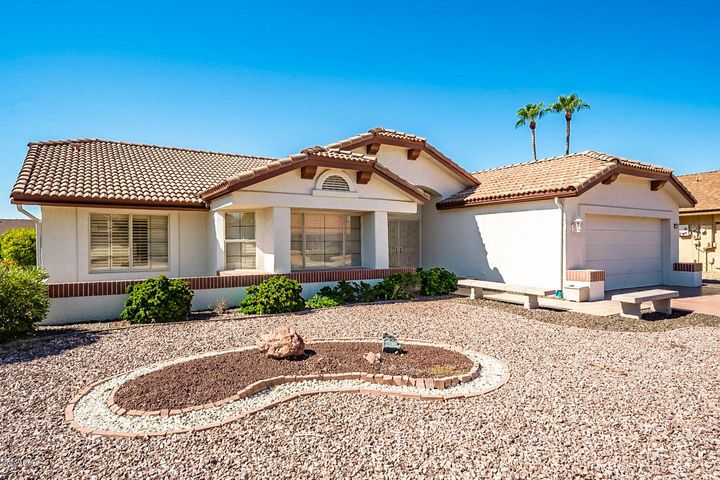 13517 W WHITE WOOD Drive, Sun City West, AZ 85375