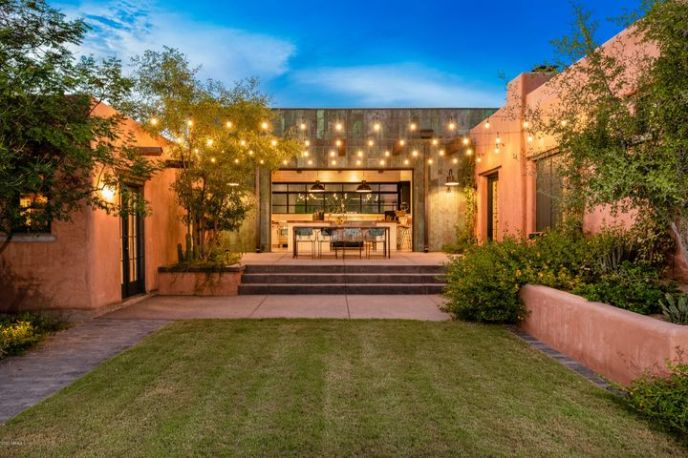 The heart of the home! A kitchen central courtyard, perfect for Arizona Nights!