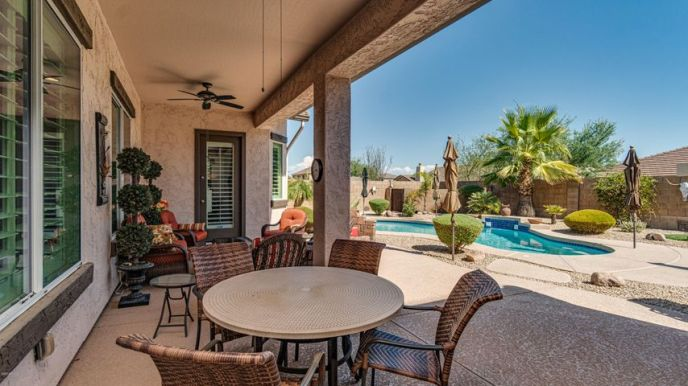 Backyard Oasis Ready for Entertaining!!