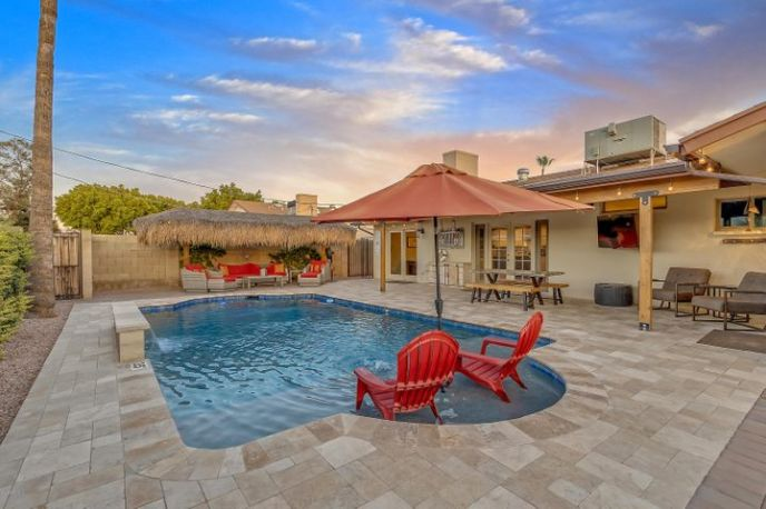 8726 E MALCOMB Drive, Scottsdale, AZ 85250
