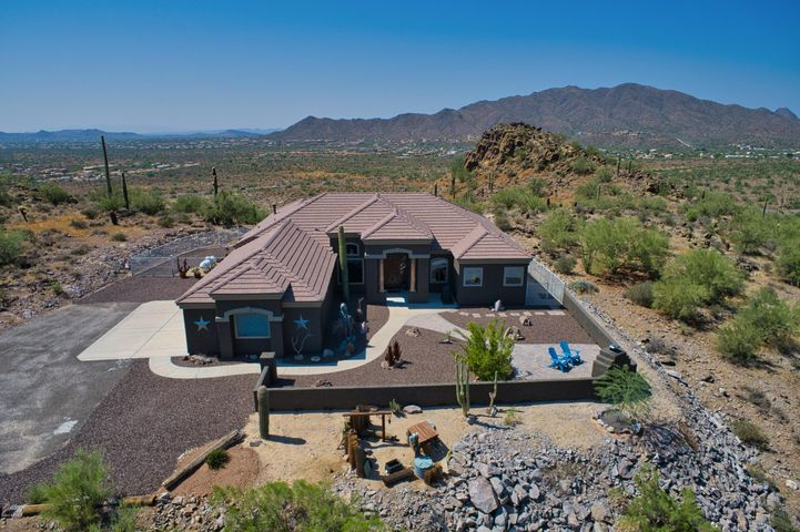 Located at the top of the mountain with spectacular 360 mountain views! Just under 3 acres!