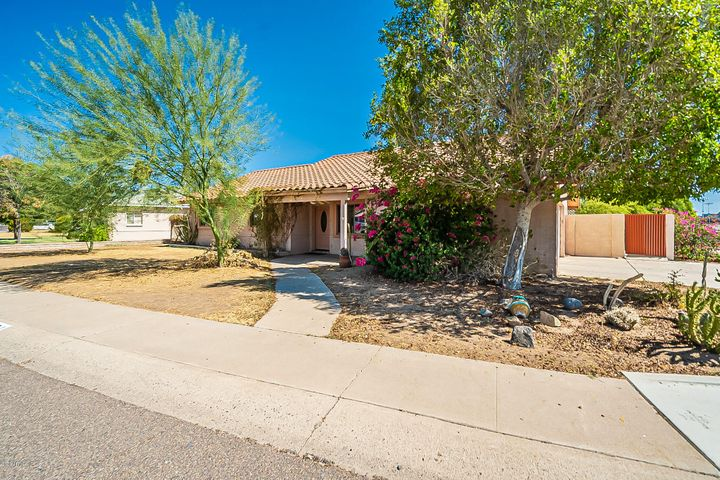 4601 N 24TH Place, Phoenix, AZ 85016