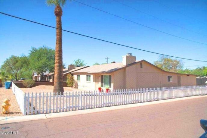 8050 N 11TH Place, Phoenix, AZ 85020