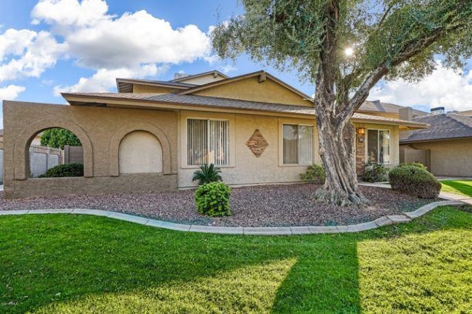 8545 E BELLEVIEW Street, 116-1, Scottsdale, AZ 85257
