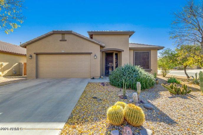 1273 W Desert Hollow Drive, San Tan Valley, AZ 85143