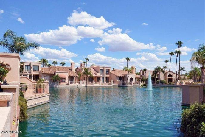 10215 N 100TH Place, Scottsdale, AZ 85258