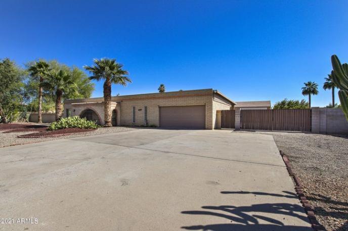 4415 E GREENWAY Road, Phoenix, AZ 85032