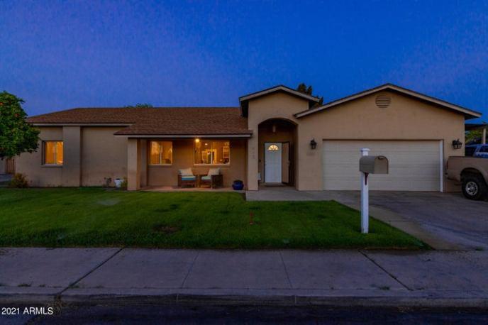 813 N ALMOND Circle, Mesa, AZ 85213