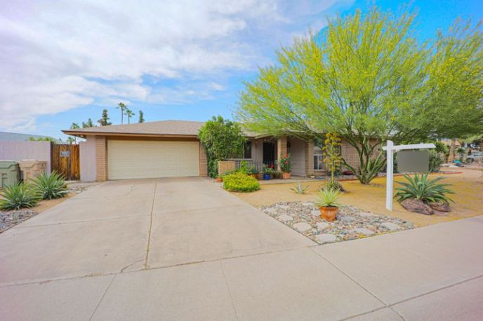 9208 N 48TH Drive, Glendale, AZ 85302