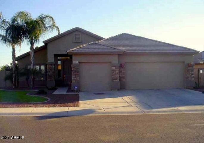 8109 W NICOLET Avenue, Glendale, AZ 85303