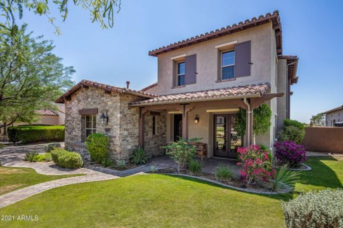 Top-rated Revel floor plan in the Haciendas at DC Ranch