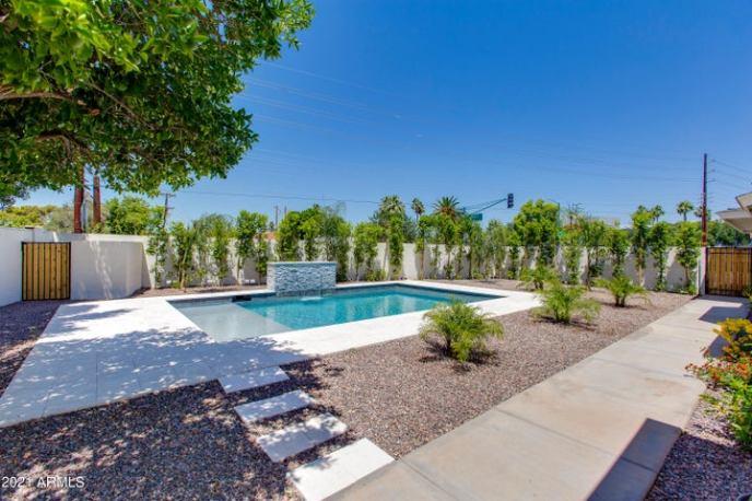 2801 E CAMPBELL Avenue, Phoenix, AZ 85016