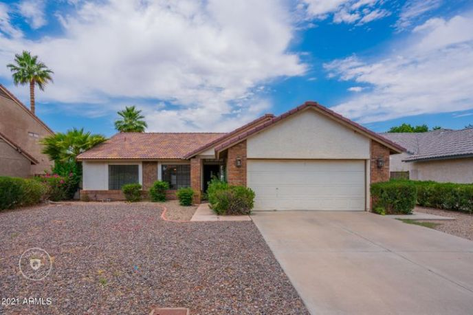6932 W WESCOTT Drive, Glendale, AZ 85308