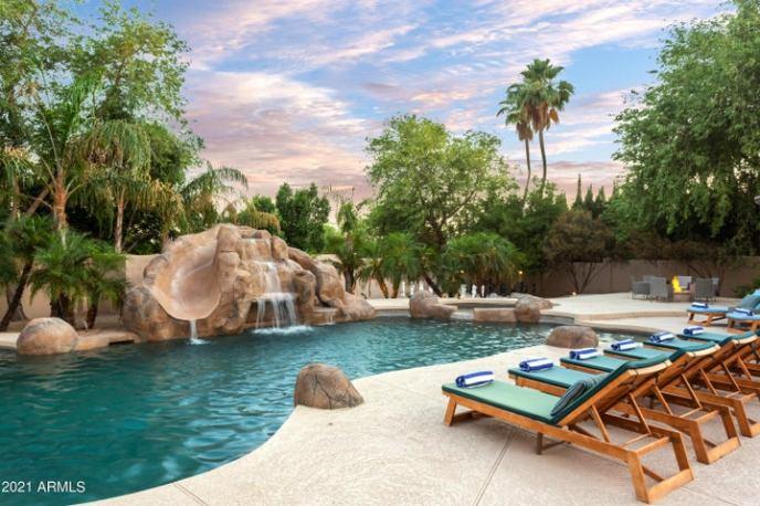 10461 E WINDROSE Drive, Scottsdale, AZ 85259
