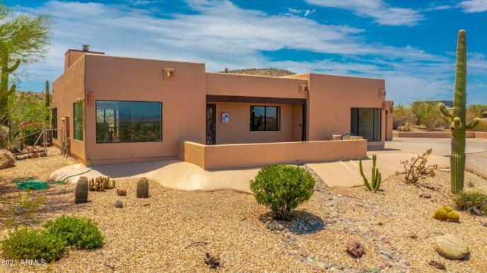 145 W Via Tortuga Drive, Wickenburg, AZ 85390