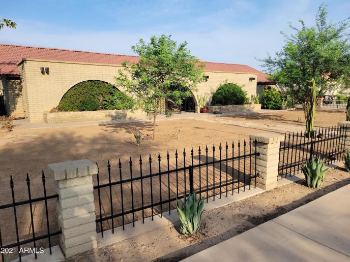 5801 N 73RD Avenue, Glendale, AZ 85303
