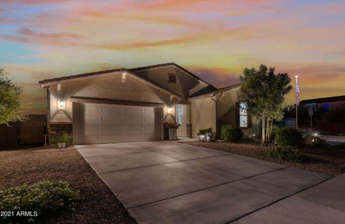 41523 E Calle Del Sol Drive, San Tan Valley, AZ 85140