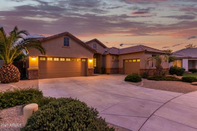 2883 E PALM BEACH Drive, Chandler, AZ 85249