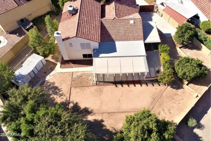 Aerial view of this 11,678sf compound!