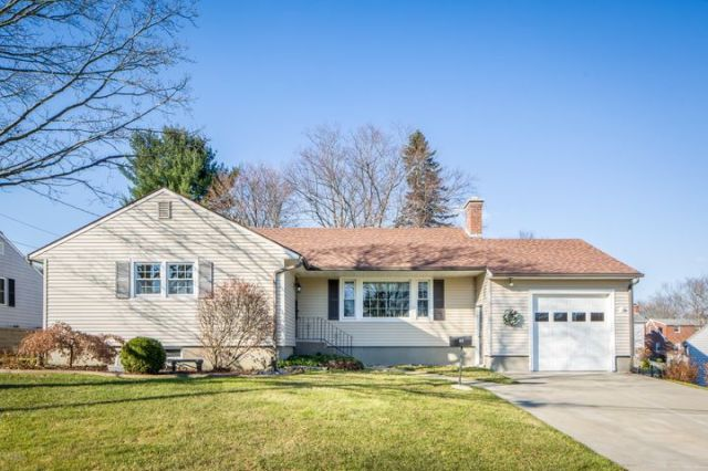 48 Donna Ave, Pittsfield, MA 01201