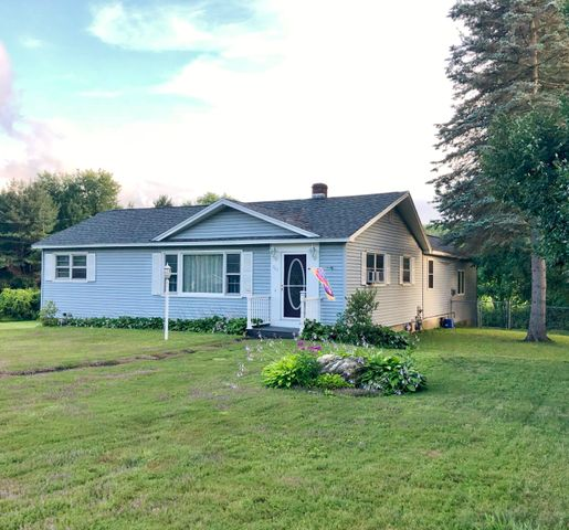 704 Crane Ave, Pittsfield, MA 01201