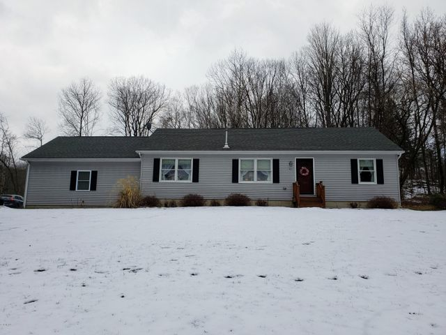 405 Partridge Rd, Pittsfield, MA 01201