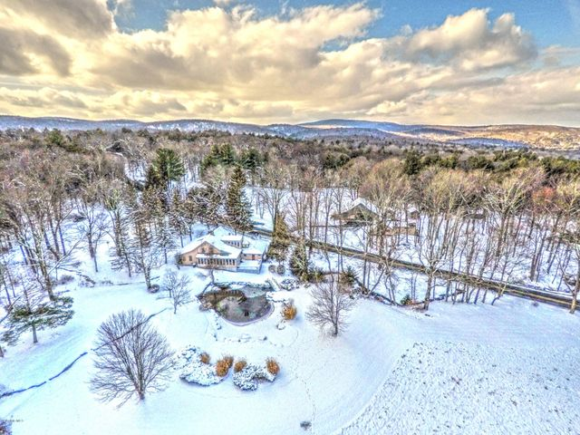 2019 aerial photo of the Mt Washington farm