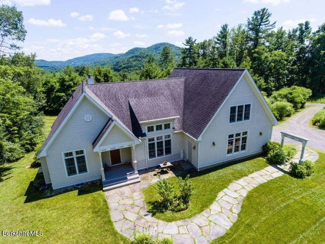 3 Omega Rd, Great Barrington, MA 01230