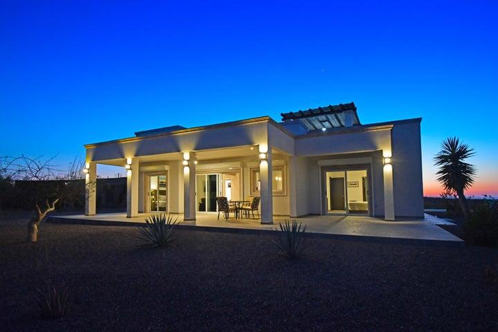 Private home pool