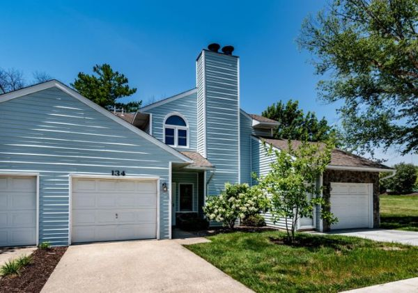 134 W GREEN MEADOWS RD, COLUMBIA, MO 65203
